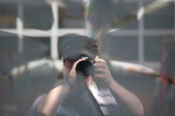 Bin im Spiegel zu sehen wie ich mich fotografiere.