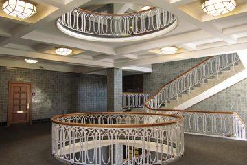 Treppenhaus-Etage im Esplanadebau.