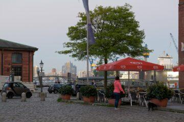 Matthias - Fischmarkt am Abend 01.06.2021 - Durchblick