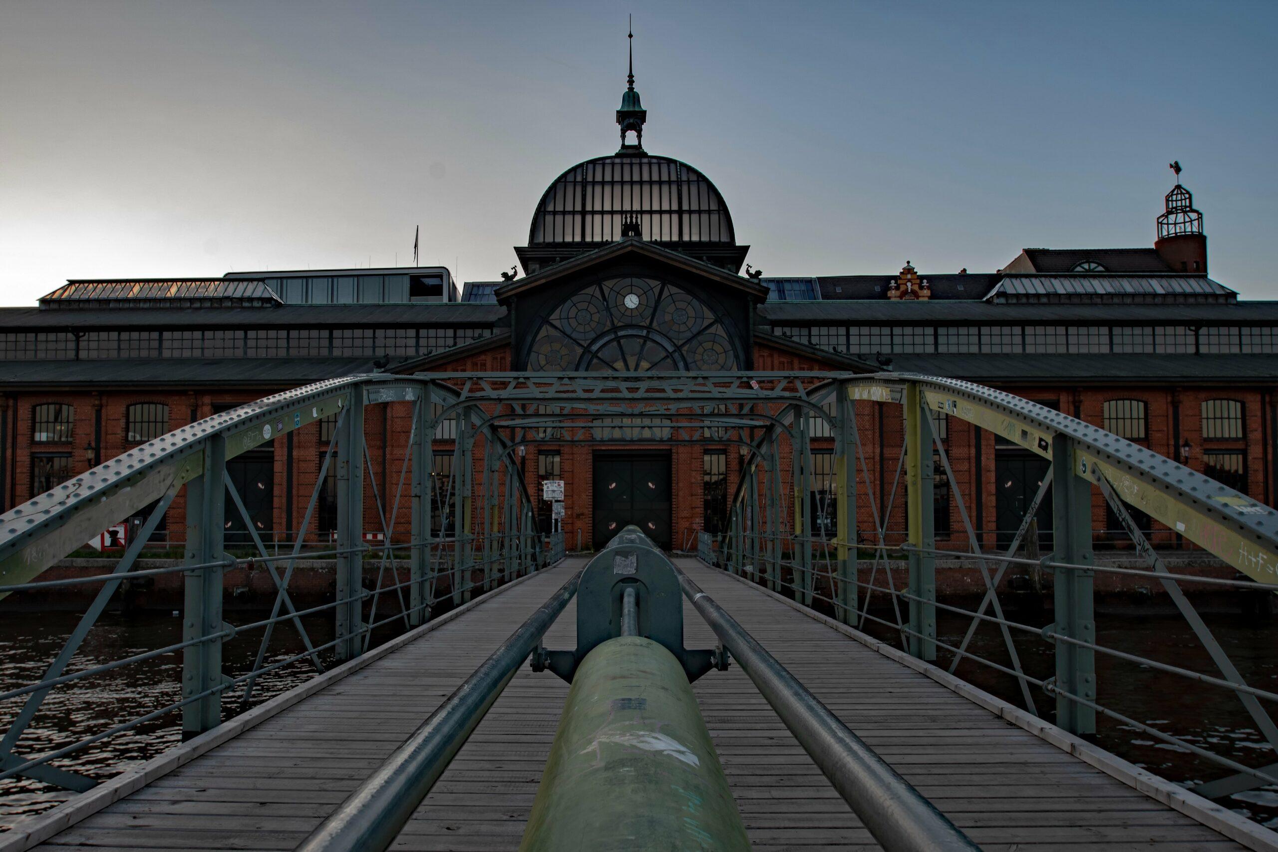 Hans Stötera - Fischmarkt am Abend 01.06.2021 - Fischauktionshalle