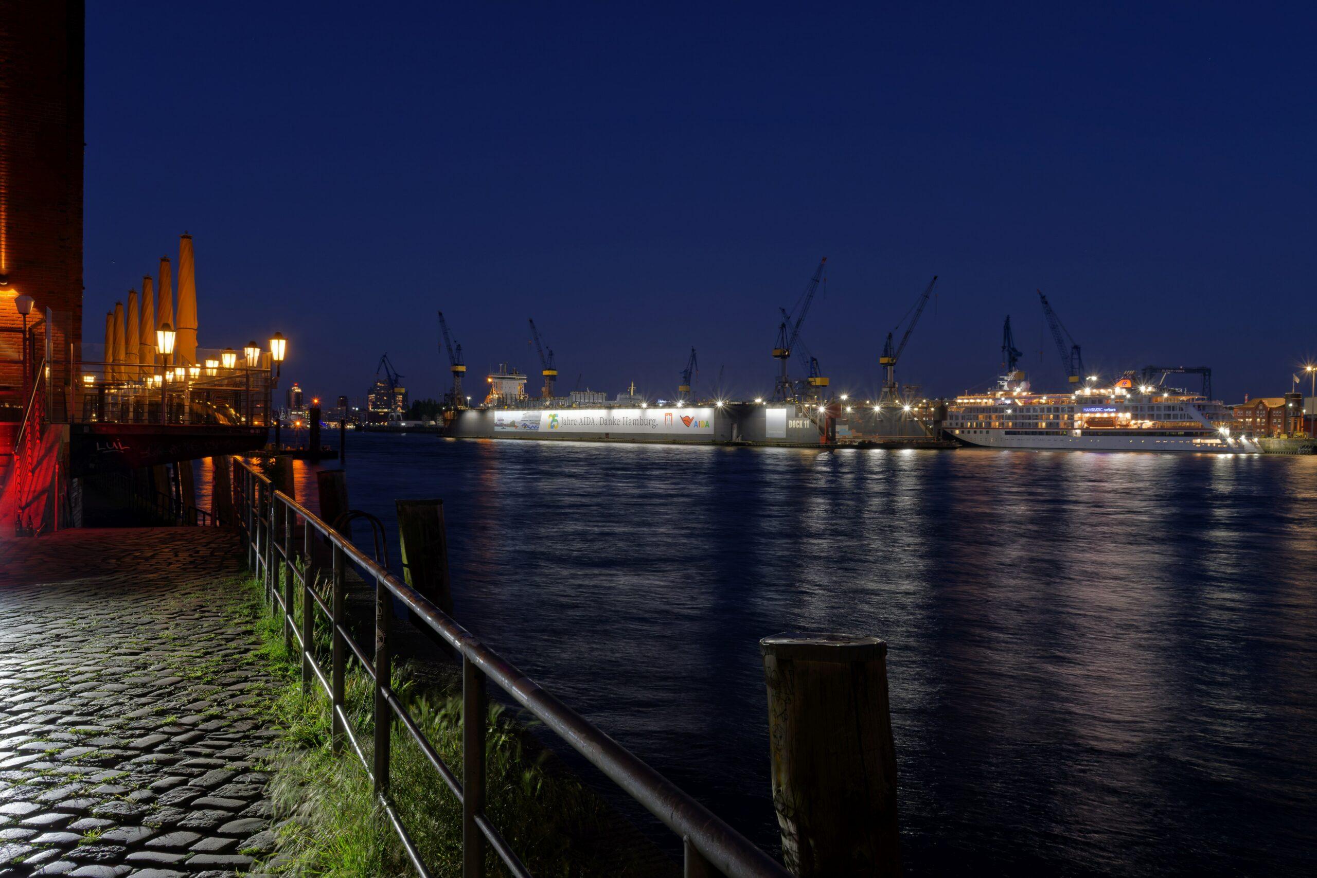 Matthias - Fischmarkt am Abend 01.06.2021 - Hafenblick
