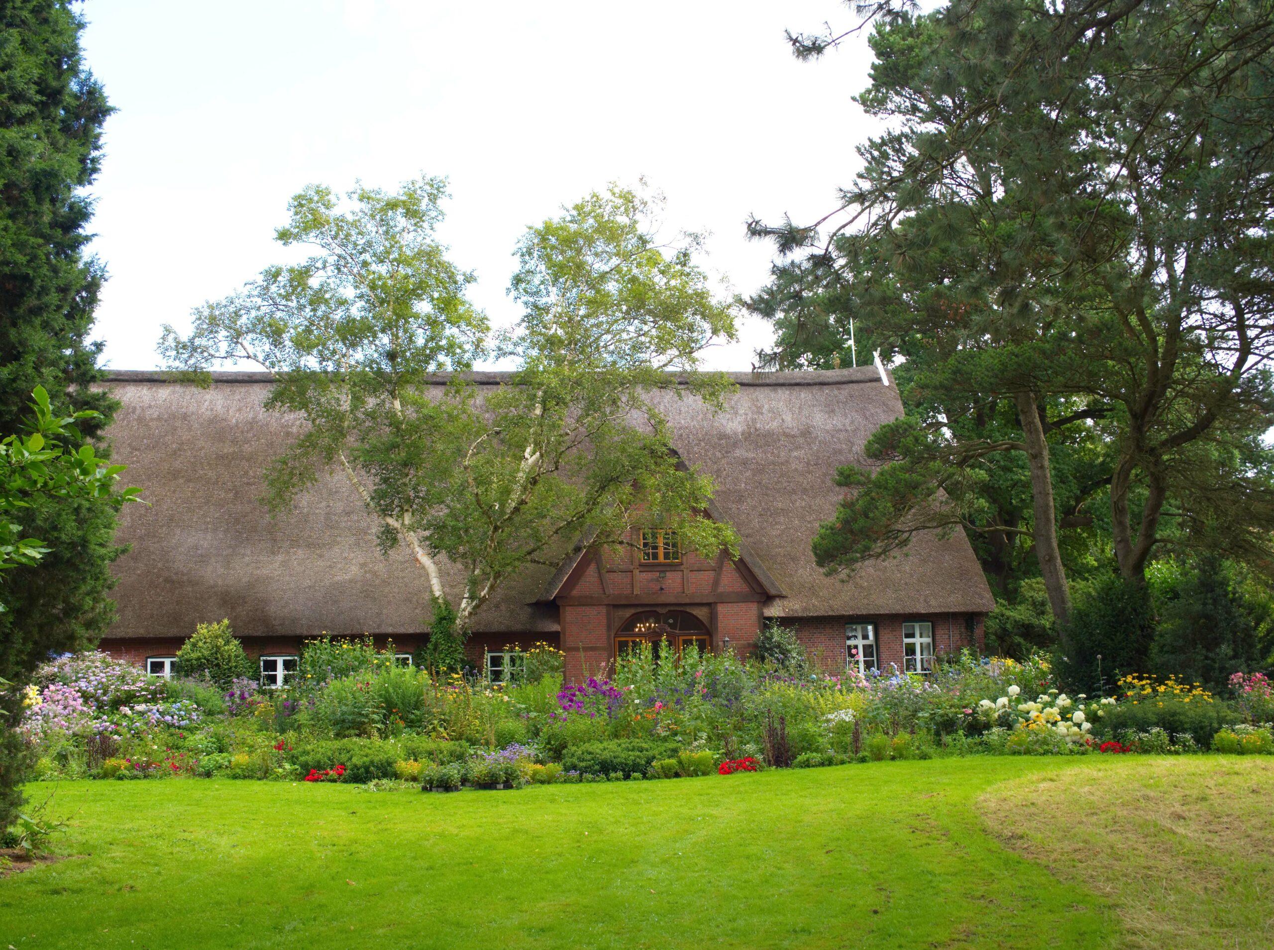 Harald Jablonsky- Arboretum Ellerhoop 03.08.2021 - Reetdachhaus
