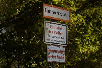 Bodo Jarren - Hudtwalckerstraße 07.09.2021 - Feuerwehrzufahrt