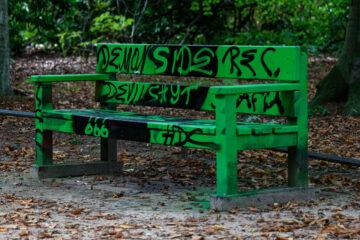 Bodo Jarren - Stadtpark 05.10.2021 - Bank in im Grünen