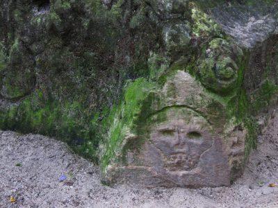 Marlies Heinsohn - Challenge 32: 09.08 - 22.08.2021 - Ein Gesicht im Stein