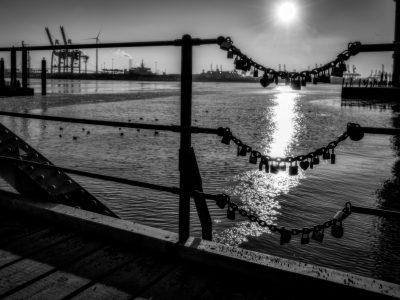 Annette Hanl - Challenge 26: 17.05 - 30.05.2021 - Liebesschlösser im Hafen