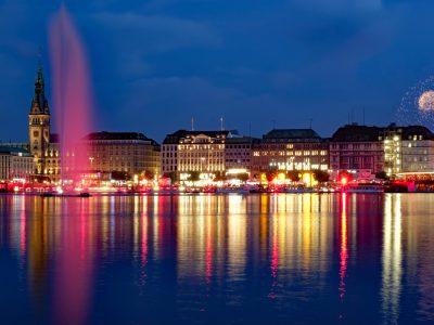 Romana Thurz - Challenge 34: 06.09 - 19.09.2021 - Roter Lichtzauber an der Alster